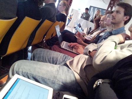 Journalisten: Digital und analog, zuhören und zwitschern bei Besser Online 2014.