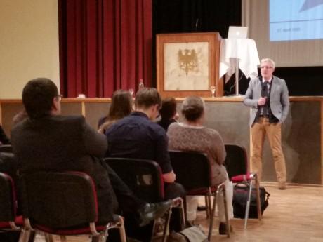 Minister Hoff: In freier Rede über Kulturkonzepte sprechen.