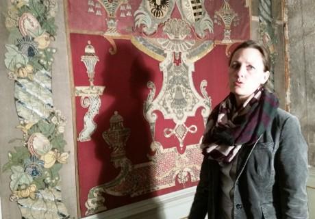 Das Schmelzzimmer mit direktorin antje Vanhoefen.