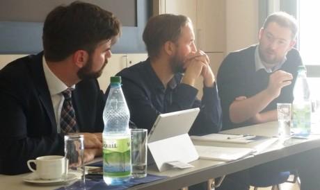 Panel III Onlinemedien mit Ralf Güldenzopf (KAS), Sebastian Holzapfel (TLZ) und Dr. Sven Oelsner (Thüringer Blogzentrale), von links.