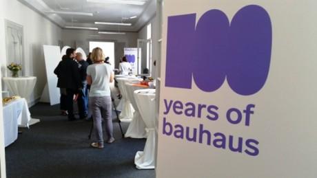 Jetzt geht´s los in der neuen Geschäftsstelle des Bauhausverbundes in Weimar.