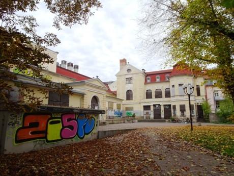 Das ehemalige Schauspielhaus soll das Kulturquartier Erfurt werden. Fotos: mip