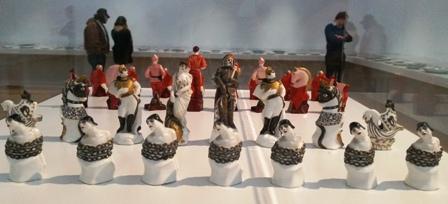 Politisch aufgeladen: Das Schachspiel Rote gegen Weiße.