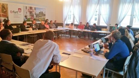 Voller Saal im Rathaus Erfurt, der städtische Kulturausschuss tagt. Foto: mip