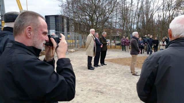 Bauhaus-Kustos Michael Siebenbrodt, hier bei der Grundsteinlegung für das neue Bauhaus-Museum Weimar am 10.10.2015.